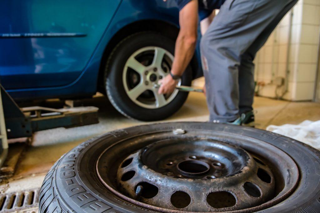 Wybór odpowiedniego warsztatu samochodowego – pamiętaj o tych wskazówkach!