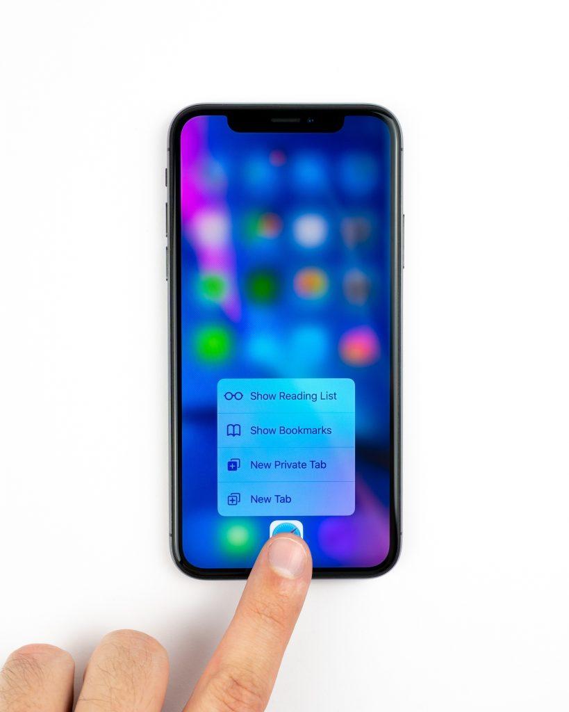 Folia i szkło hartowane – sposób na prawidłową ochronę Twojego telefonu